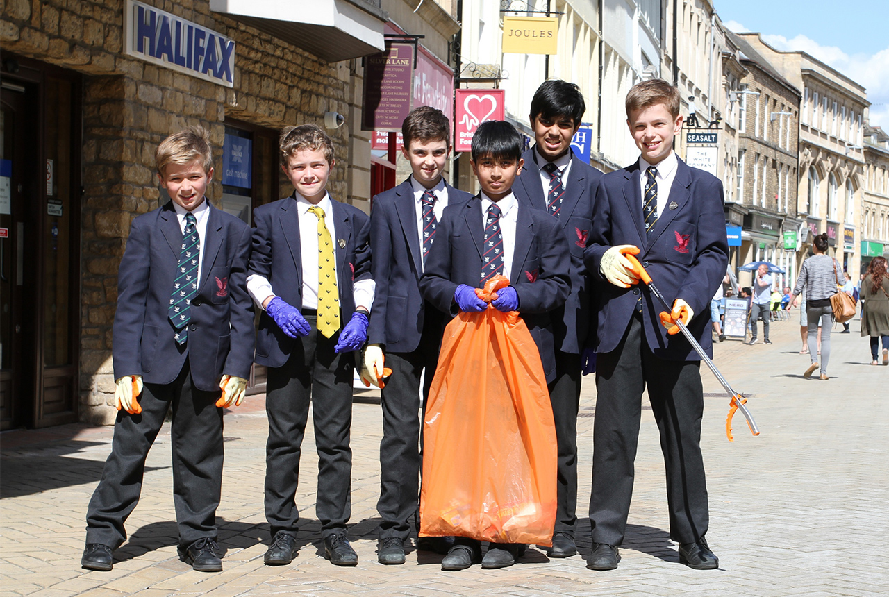 Litter pickers from Stamford School