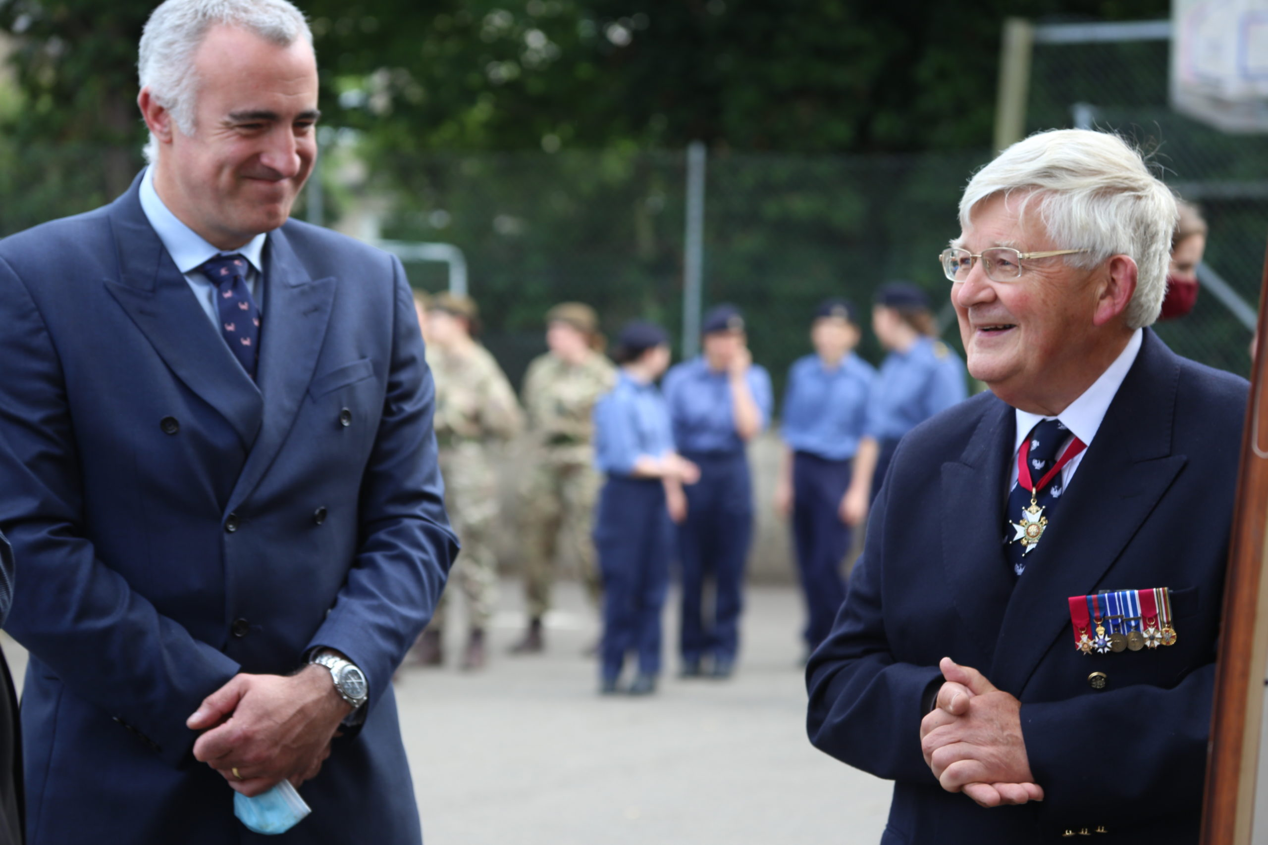 CCF presented with picture by OS, Major General John Drewienkiewicz